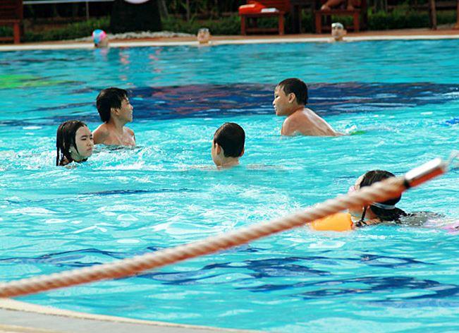 Revew hồ bơi Văn Thánh Sài Gòn